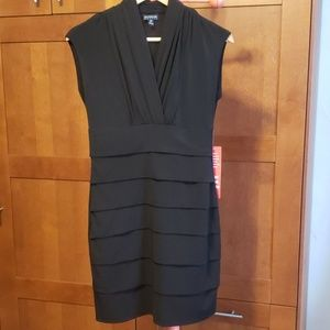 Black stretch short pleated dress size 6Petite
